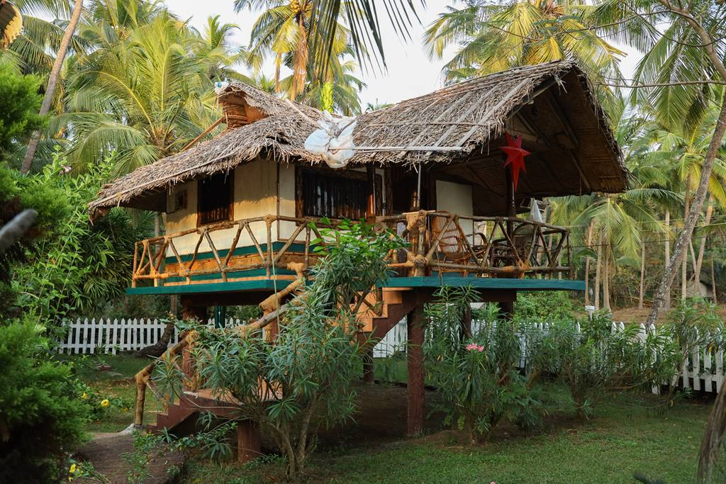 bamboo cottage kannur homestay